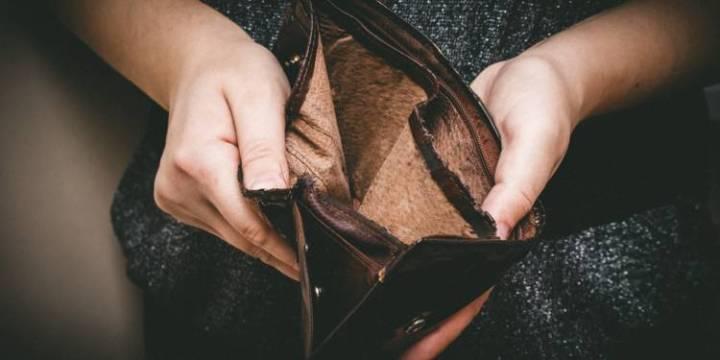 pauvrete-cinq-millions-de-francais-vivent-avec-moins-de-855-euros-par-mois-1310758